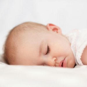 http://www.todaysparent.com/baby/baby-sleep/5-ways-to-healthier-sleep-habits-for-your-baby/