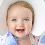 Baby Easter bonnet ideas, baby in a bonnet