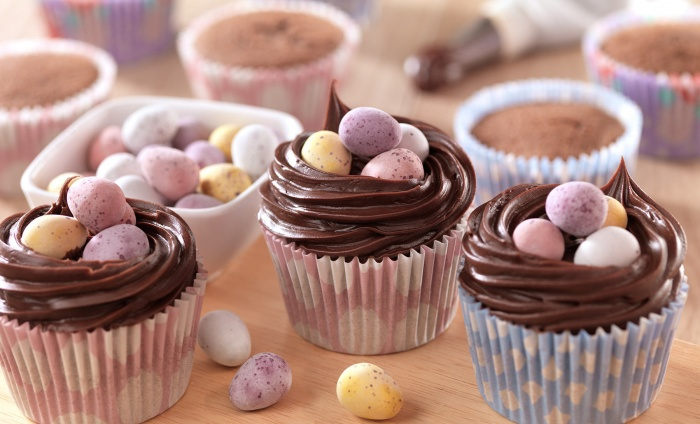 Chocolate eggs cupcakes, easter cupcakes, baby easter craft ideas