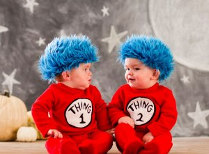 thing 1 and thing 2 halloween costume for twins