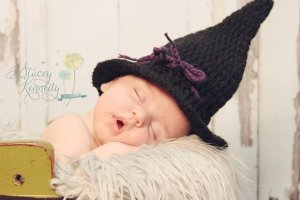 good little witch halloween costume for a newborn baby