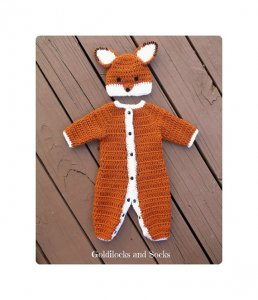little fox halloween costume for a newborn baby