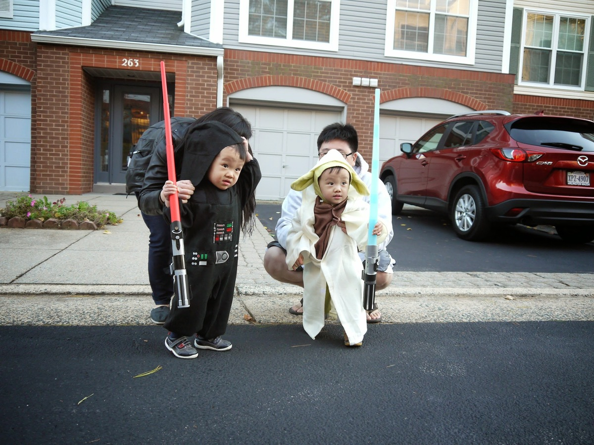 yoda and darth vader cute halloween costumes for baby twins