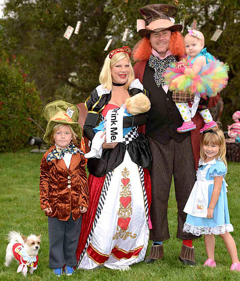 10 Halloween Costume Ideas For A Family With Baby | Baby Halloween Customes | Halloween Baby Ideas | Baby Customes Halloween | Halloween Onesies Baby | Baby Halloween Ideas | Baby Halloween Projects | Halloween Baby DIY | Halloween Customes for Babies | First Halloween Baby | Babies Halloween | Halloween Baby Boy | Halloween with Baby | Halloween Baby Activities | Funny Baby Halloween | Halloween Ideas for Baby | First Halloween #halloween #baby #costumes #ideas