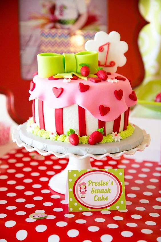1st Birthday Cake Ideas, 1st Birthday Party, Strawberry Theme, Party Ideas #Birthday #1stBirthday