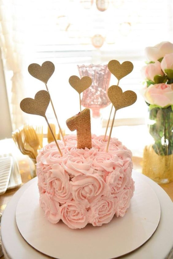 1st Birthday Cake Ideas, 1st Birthday Party, Heart Theme, Party Ideas #Birthday #1stBirthday